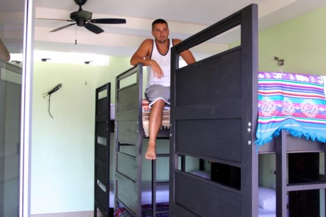 room2board 6 Person dorm