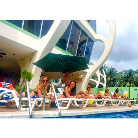 Hostels with pools