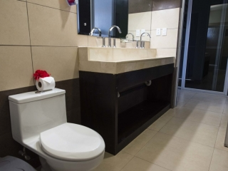 Private Room with Shared Bathroom